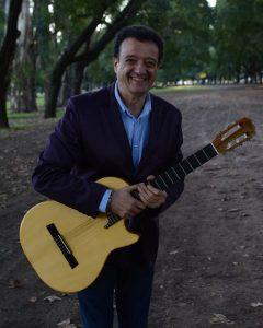 RAUL LUZZI, LA VOZ DE LA GUITARRA..